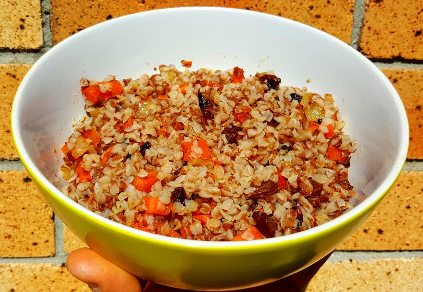 buckwheat carrot onion raisins1