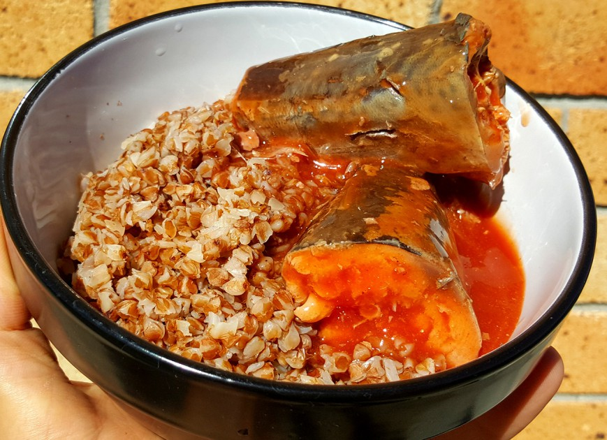 roasted buckwheat with Fish in tomato sauce