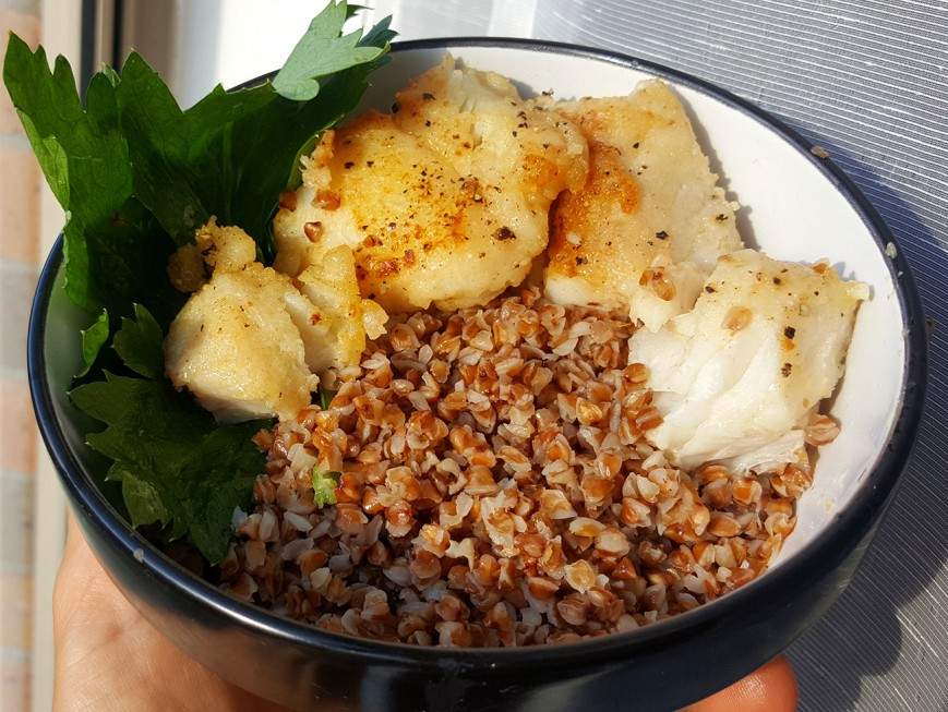 roasted buckwheat with fried fish